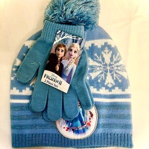 Frozen 2 Gloves and Beanie Set